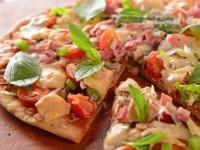طرز پخت پیتزا مارگاریتا (گوجه ای) به روش ساده