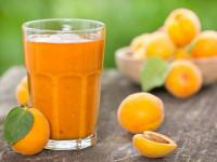 آشنایی با خواص شگفت انگیز آب زردآلو + طرز تهیه