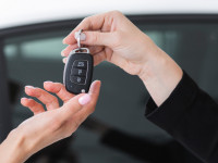 بررسی تاثیرگذارترین عوامل در خرید و فروش خودرو