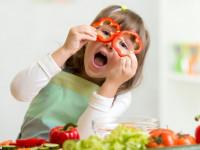 لیست مواد غذایی مفید برای سلامت چشم ها