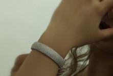 جدیدترین طرح های دستبند نقره زنانه با نگین اتمی
