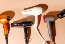 آشنایی با ۶ تفاوت اساسی سشوار، اتو مو خانگی و آرایشگاهی