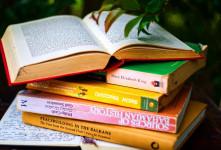 چه زمانی برای کودکان کتاب بخوانیم ؟