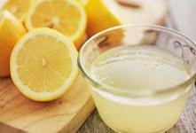 آیا آب لیمو ترش خراب می شود؟ علت قهوه ای شدن رنگ آن چیست؟