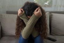 چرا اضطراب باعث حالت تهوع و استفراغ میشود؟