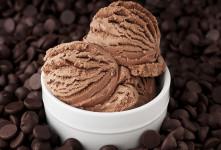 طرز تهیه بستنی خانگی دارک چاکلت