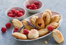 طرز تهیه شیرینی مادلن لیمویی خوشمزه ساده و پفکی