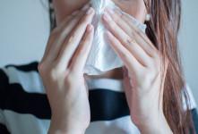 خوردن مخاط بینی چه حکمی دارد ؟
