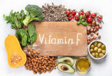 خواص و منابع ویتامین F