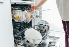 بوی بد ماشین ظرفشویی را با این روش ها از بین ببرید