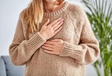 ماندن شیر در سینه این عوارض را به همراه دارد