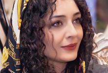 ساره بیات با موهای بلوند