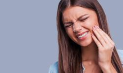 درمان درد ضربان دار دندان با 10 روش فوری و خانگی