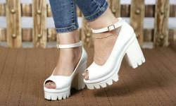 مدل کفش تابستانی زنانه و دخترانه با شیک ترین طرح های سال (2)