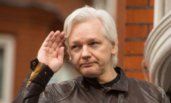 بیوگرافی جولیان آسانژ Julian Assange - چقدر با موسس سایت ویکی لیکز آشنا هستید ؟