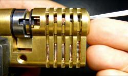 6 راهکار تضمینی برای باز کردن قفل ماشین و درب خانه بدون کلید