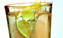 بهترین شیوه تهیه شربت آبلیموی تازه و عسل کدام است؟