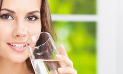 مضرات آب خوردن بعد از ارضا شدن
