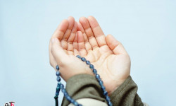 چرا نماز را به فارسی نمی خوانیم و به زبان عربی میخوانیم؟