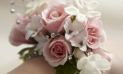 20 مدل دسته گل های دور مچ با گل های طبیعی و مصنوعی