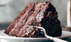 طرز تهیه کیک شکلاتی خوش طعم و ایده آل