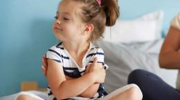 ویژگی کودکان لجباز + نحوه درست رفتار والدین با آنها