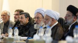 عکس عجیب احمدی نژاد و آیت الله مجتهد شبستری
