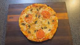 کلیپ طرز تهیه پیتزا خانگی  : تهیه پیتزا مارگاریتا