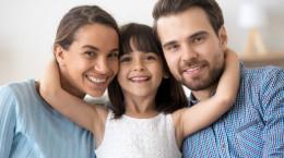 حضانت دختر بعد از سن بلوغ به کدام یک از والدین داده میشود ؟