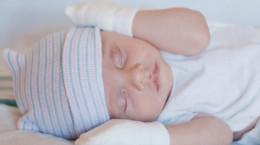 بازتاب چنگ زدن از چه سنی در نوزادان آغاز میشود ؟