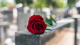 تعبیر خواب خاکسپاری : ۴۴ نشانه و تفسیر دیدن خاکسپاری در خواب