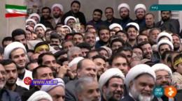 شوخی رهبر انقلاب با نحوه تکبیر گفتن افراد حاضر در حسینیه