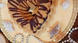 طرز تهیه دسر کارامل با سس شکلاتی خوشمزه و آسان