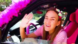 ماجراهای ولاد و نیکیتا این داستان همراه والدین در ماشین
