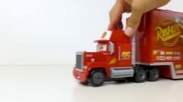 بازی با مجموعه اسباب بازی های شگفت انگیز ماشین