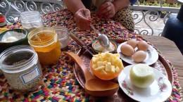 آموزش طرز تهیه اشکنه تخمه مرغ فوق العاده ساده و خوشمزه