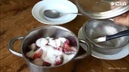 آموزش درست کردن مربای توت فرنگی