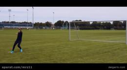 آموزش زدن قیچی برگردون در فوتبال