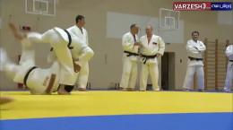 تمرین کردن ولادیمیر پوتین رئیس جمهور روسیه در تیم ملی جودو
