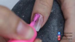 طراحی ناخن دخترانه با طرح پروانه