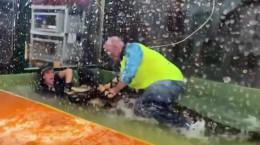 ویدیو حمله تمساح به انسان