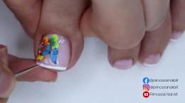 فرنچ شیک ناخن پا با طرح پروانه