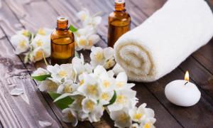 13 خاصیت روغن گل یاس و فواید این روغن برای پوست و افزایش شیر…