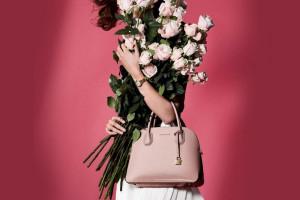 ۷۷ مدل از آخرین کلکسیون بهاره کیفهای زنانه مایکل کورس
