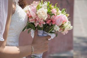 40 مدل از زیباترین مدل های دسته گل عروس و نامزدی 2018