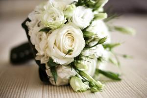 دسته گل عروس رز سفید شیک 2018