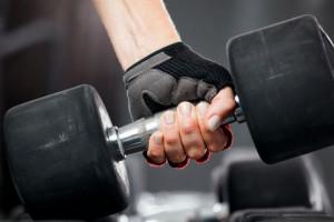 دمبل زدن : فواید استفاده از دمبل برای تناسب اندام و سلامت بدن