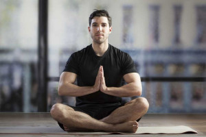 چگونه با ورزش یوگا استرس را کم کنیم؟