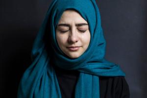 ۲۰ عکس جدید و با کیفیت غمگین گریه کردن دختر برای پروفایل