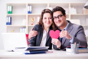 ازدواج با همکار چه مزایا و معایبی دارد؟